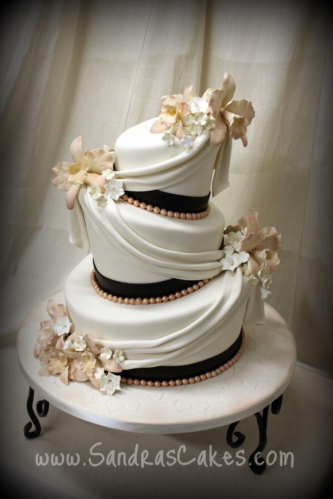 Elegant Skull Wedding Cake Viewing Gallery