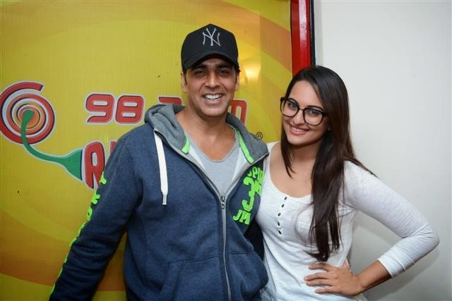 Akshay & Sonakshi at 98.3 FM Radio Mirchi to promote their movie Holiday
