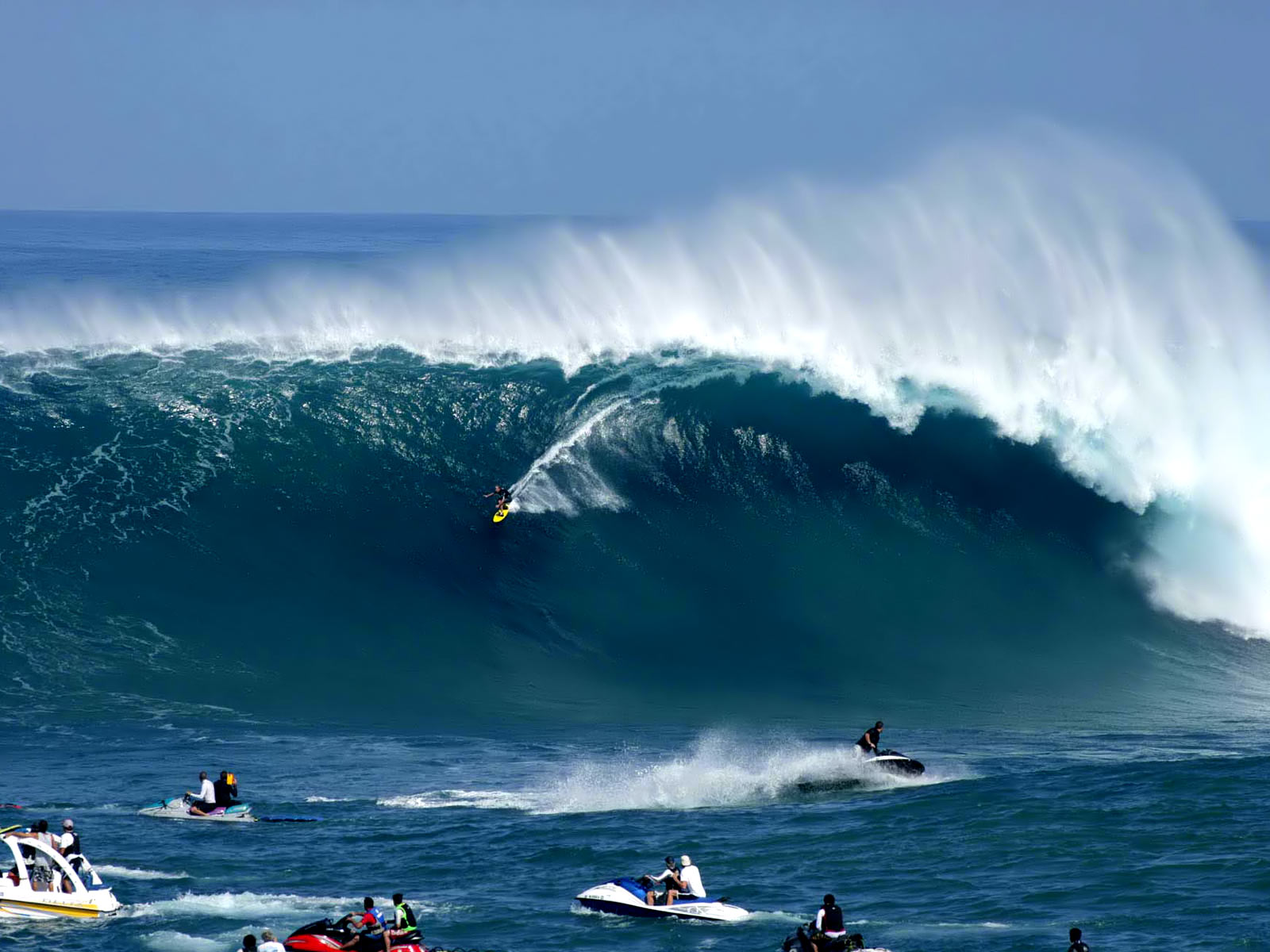 Gambar Gambar Berselancar Surfing Di Lautan