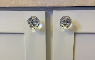 Kitchen Renovation - Refacing Kitchen Cabinets - Knobs