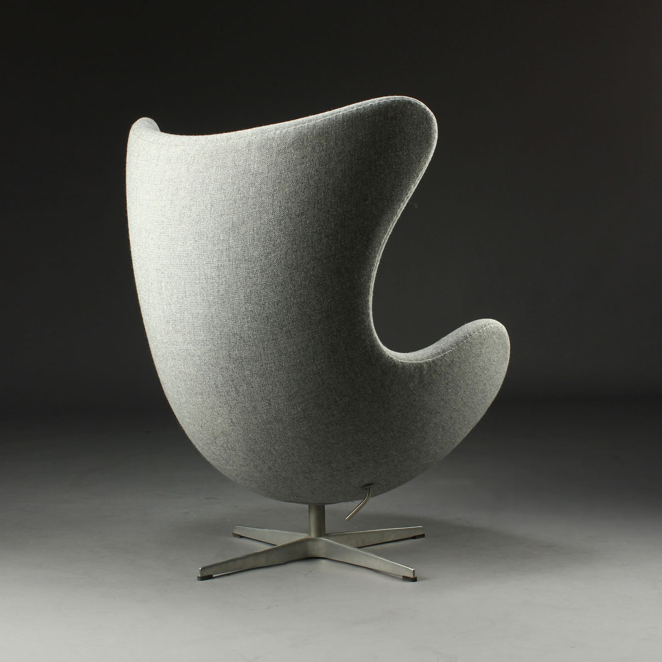 Arne jacobsen egg chair white - Fritz Hansen Arne Jacobsen Egg Chair In Kvadrat Tonica Grey Modern Chairs