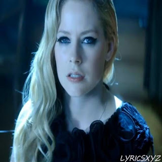 Avril Lavigne - Let Me Go featuring Chad Kroeger