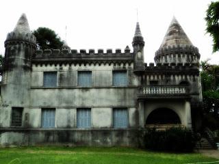 Castelo na Rua XV de Novembro, Uruguaiana