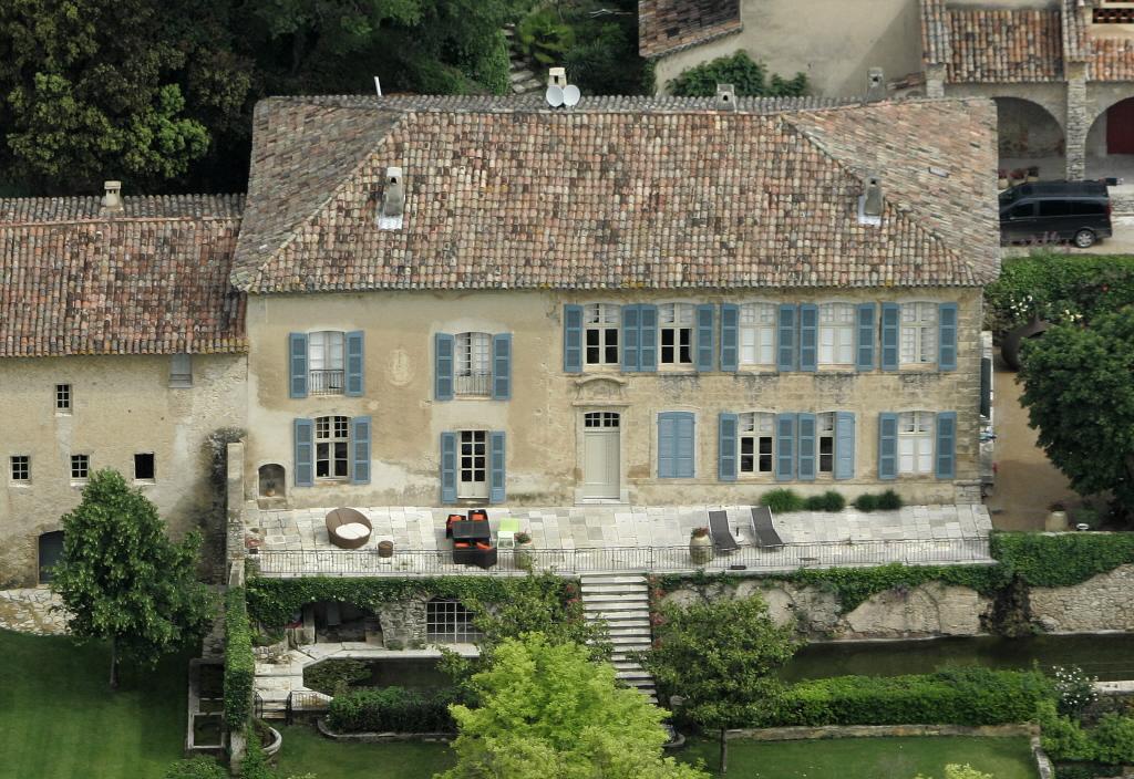 Reality Angelina Jolie House