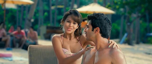 Alia Bhatt hot lipkiss bikini