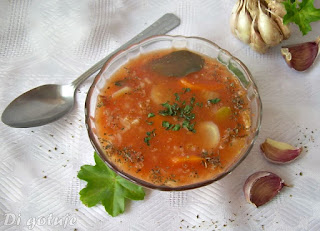 Aromatyczna zupa pomidorowa z ryżem