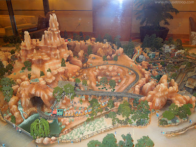 Big Thunder Mountain Railroad Scale Model Disneyland Hotel