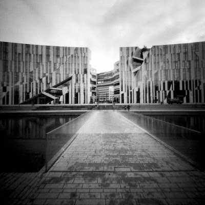 Libeskind-Bau am Kö-Bogen mit der Lochkamera | Düsseldorf 2015