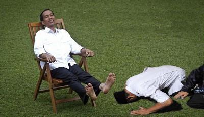 Prabowo Sembah Sujud Jokowi