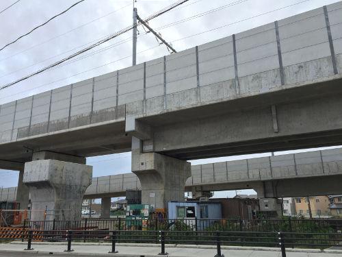 北陸新幹線福井方面への本線と白山総合車両所への引き込み線