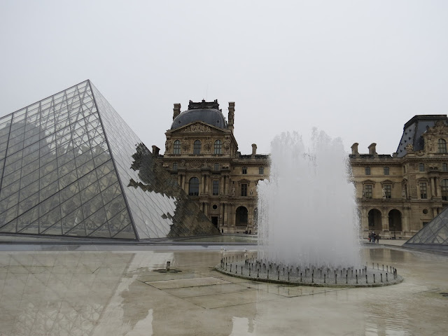 louvre water