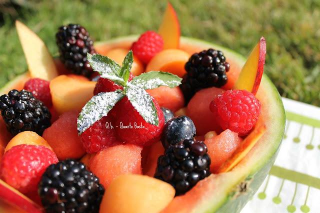 Q.b.- Quanto Basta.: Insalata di frutta aromatizzata allo sciroppo di fiori di sambuco