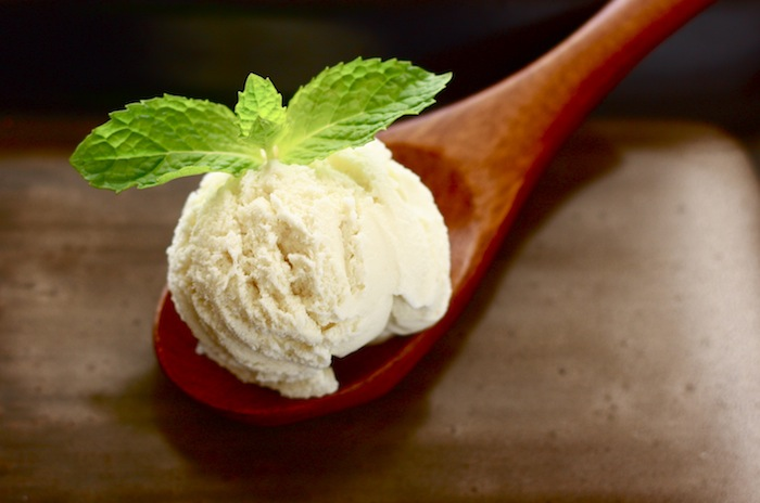 the best fennel homemade ice cream recipe with mint leaf