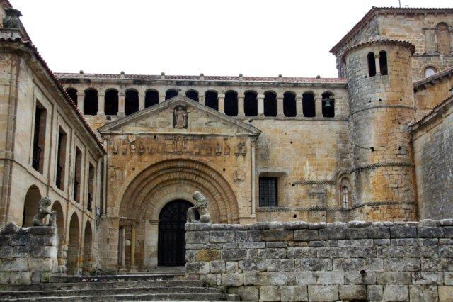 Colegiata de Santa Eulalia en Santillana del Mar