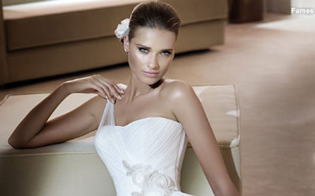 Wedding dresses 2011 collection
