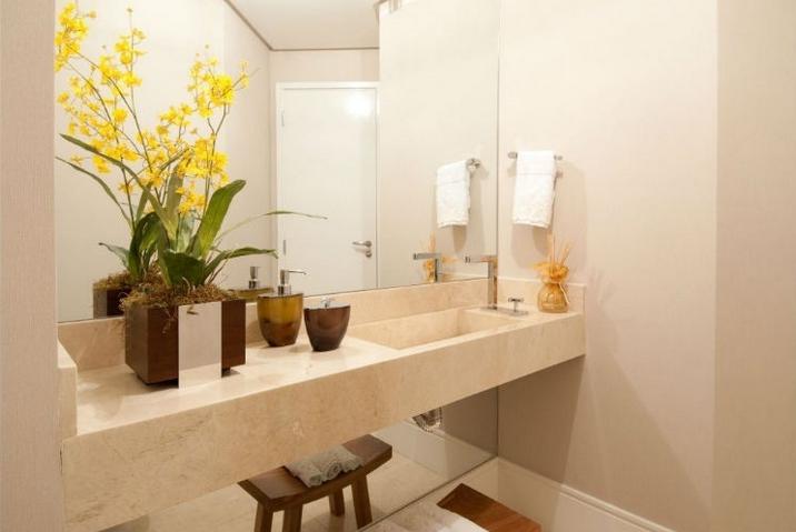 decoracao em lavabos:Mármore em lavabos e banheiros – veja bancadas e pisos com diversos