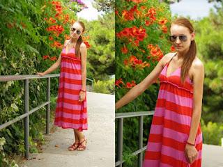 http://mrsperfectblog.blogspot.co.uk/2012/09/maxi-dress.html