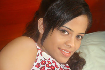 Menaka Maduwanthi Hot photos