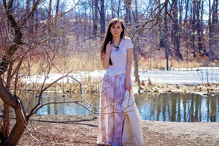 Maxi-Goddess-skirt-white-tee-boho-fashion