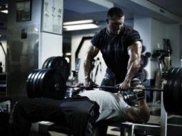 Reduce la recuperación entre series para ganar más músculo