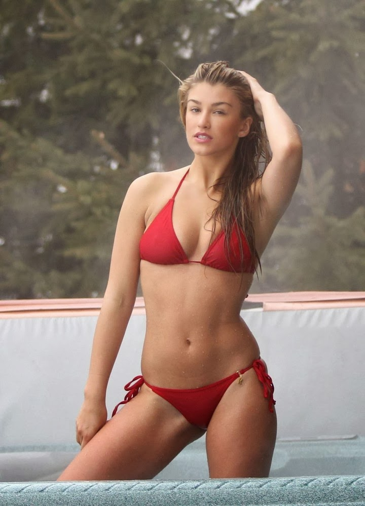 English:Amy Willerton Red Bikini Switzerland February‭ ‬8,‭ ‬2014‭
