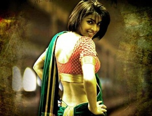 Priyanka Chopra sexy back in saree, Priyanka Chopra hot in Kaminey movie