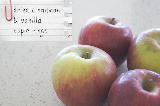 apple+rings - Dried cinnamon and vanilla apple rings