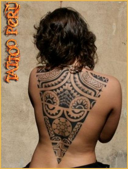 Tatuajes: Historia de los Tatuajes. 01_cruz_celta_en_la_espalda