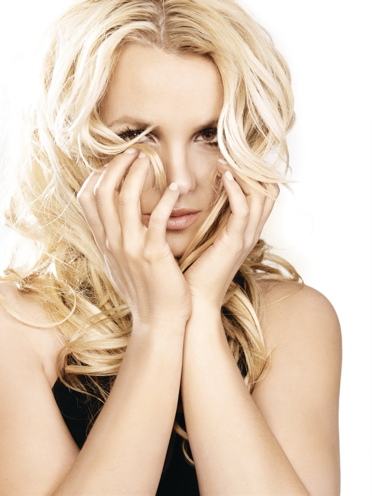 femme fatale Britney spears announces her seventh studio album is titled femme fatale the iconic global superstar's title femme fatale is a tribute to bold, empowered, confident, elusive, fun, flirty women and men.