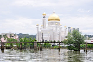 Sultan Omar Ali Saifuddien Mosque view from Kampong Ayer