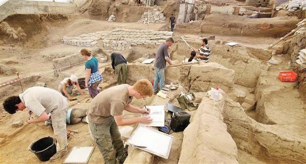 9,000 year old fabric found at Çatalhöyük