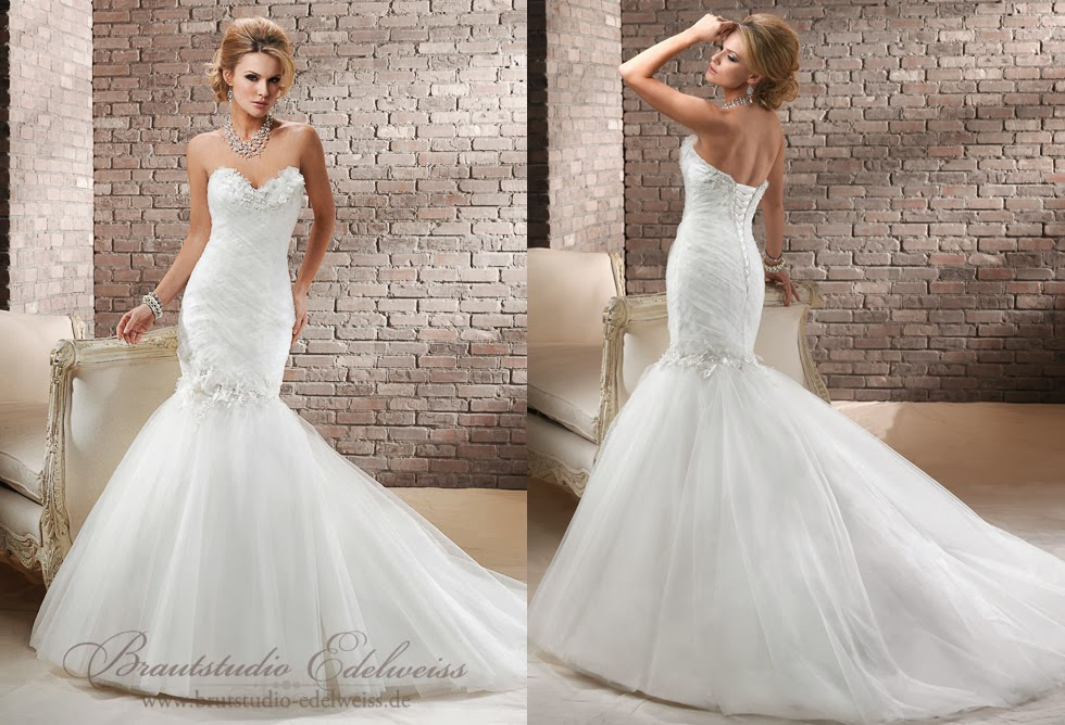 Hochzeitskleider mit Tüll. Figurbetontes Brautkleid. Tüllbrautkleid.