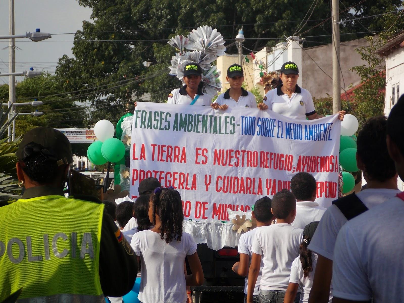 Pancartas Del Medio Ambiente Con Material Reciclado | apexwallpapers