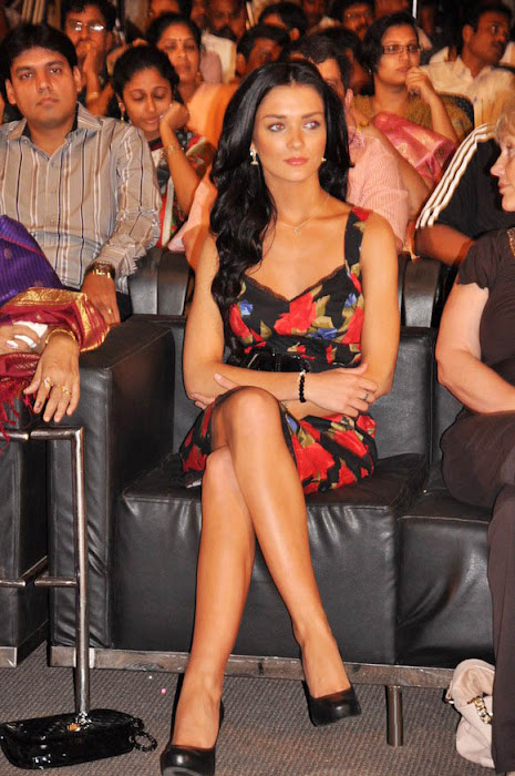 amy jackson at deiva thirumagan movie audio launch latest photos