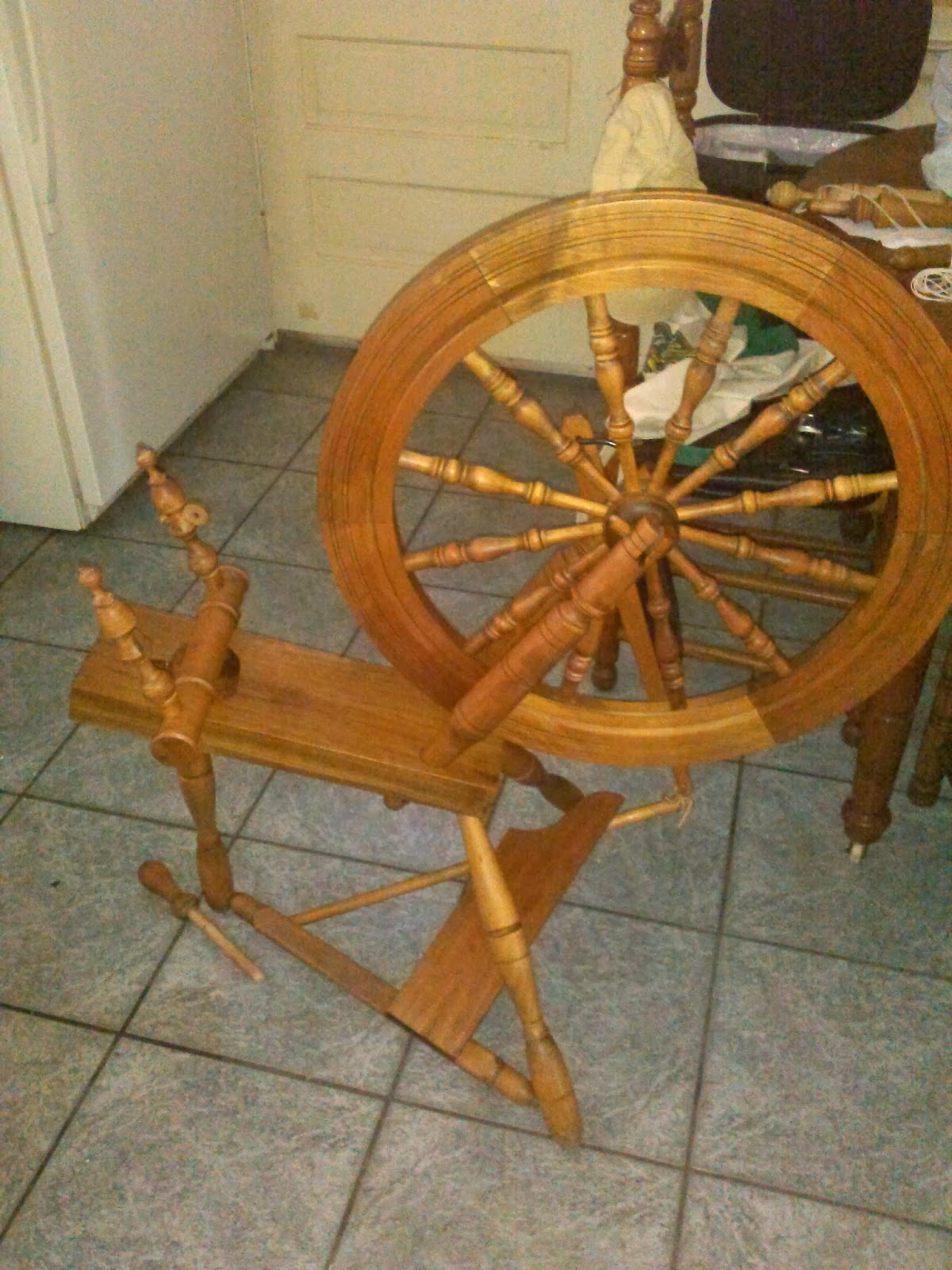 Gardner street country craftsman spinning wheel for Country craftsman