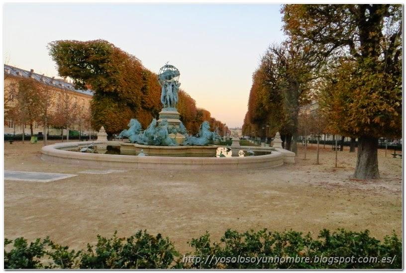 fuente de Jardines de Luxemburgo en Paris
