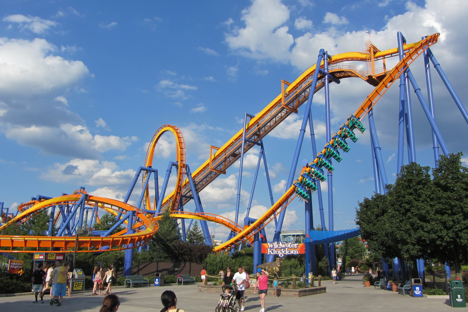 Top 10 Tips for enjoying Dorney Park and have the best experience 06/08/17 | Entertainment, Lifestyle, PR-Media Events, Travel Since both of my kids did very well in school this year, we decided to reward them for all of their hard work.