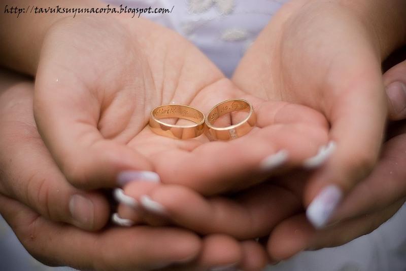 К чему сниться обручальное кольцо на своей руке замужней женщине 52
