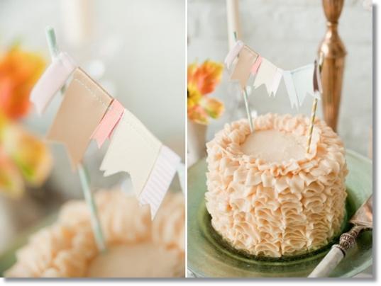 ruffled cake, pennants cake, pennants wedding cake, ruffles wedding cake, ruffled peach cake, vimplar tårta, ruffled tårta, vimplar bröllopstårta