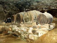 Botes de vi al celler del Molí del Menut. Autor: Francesc (Manresa)