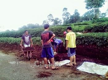 Kebersamaan Pemuda Desa Cilembu