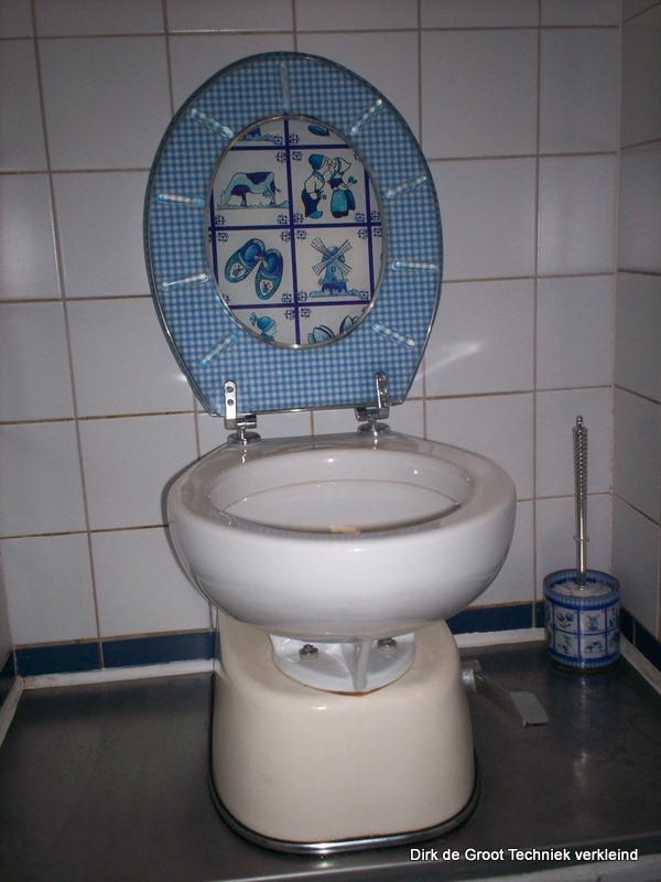 toilet spoeld heel slchet door