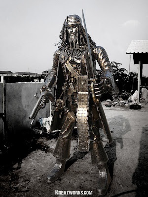 1000-Pound Jack Sparrow Sculpture Seen On www.coolpicturegallery.us