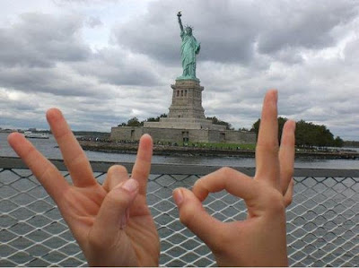 De Vio Sign on Statue of Liberty New York