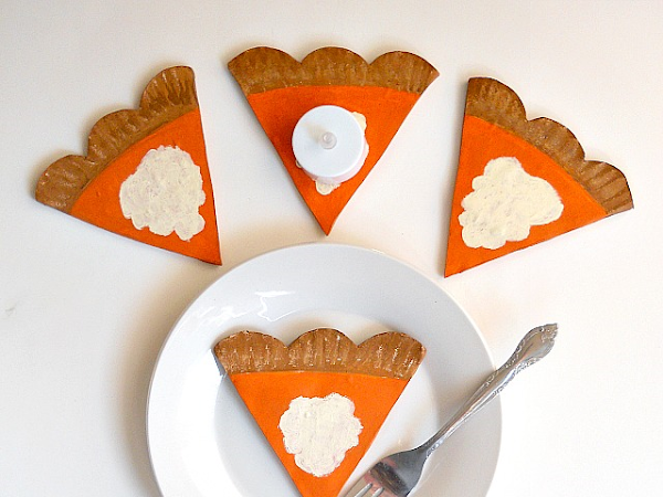 DIY: Mini Pumpkin Pie Slice Trays