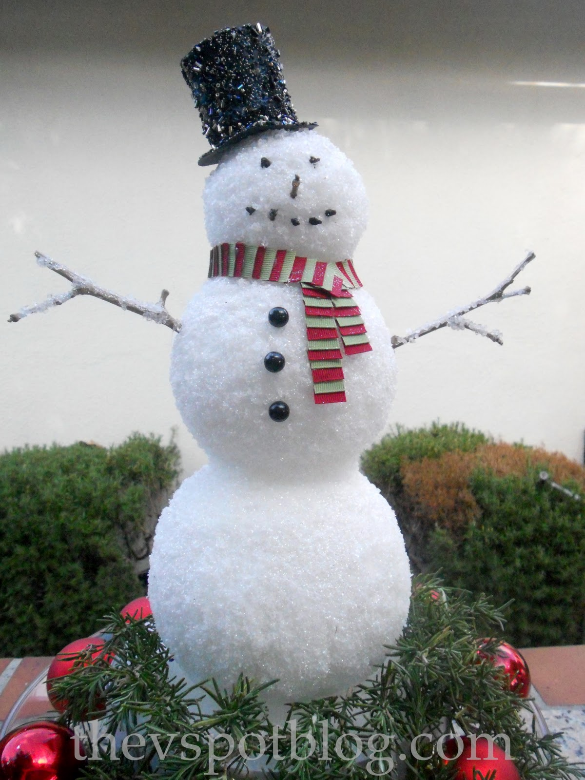 Using epsom salt in your christmas decorating the v spot for Christmas snowman decorations