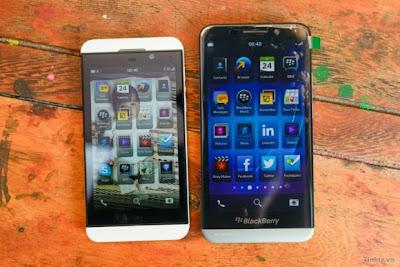 El BlackBerry Z30, es el primer dispositivo BlackBerry 10 totalmente táctil con una pantalla de 5 pulgadas, Actualmente se está empezando el lanzamiento en el Reino Unido, partes de Asia y Oriente Medio. El BlackBerry Z30 cuenta con un procesador de 1,7 GHz de doble núcleo Snapdragon S4 Pro con Quad-core Adreno 320 GPU frente del Z10 que es de 1.5GHz Snapdragon MSM8960 TI OMAP 4470. Aquí te dejamos un vídeo de comparación de ambos dispositivos: