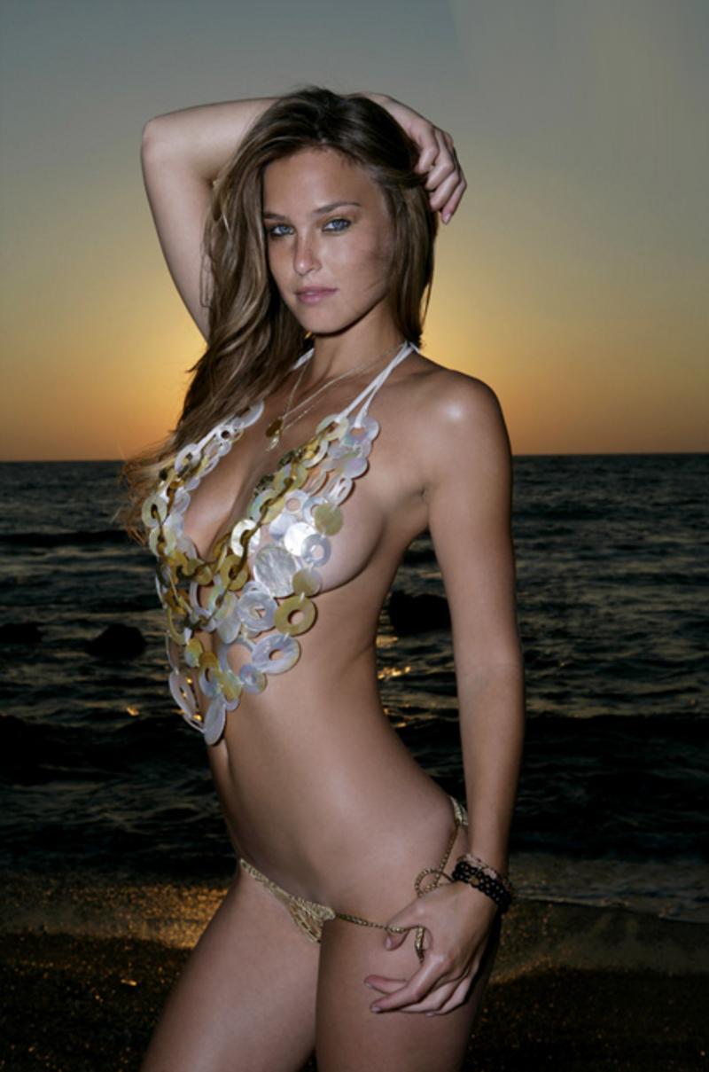 Hot Girl Bikini Model 5 lesbian hentai online flash games
