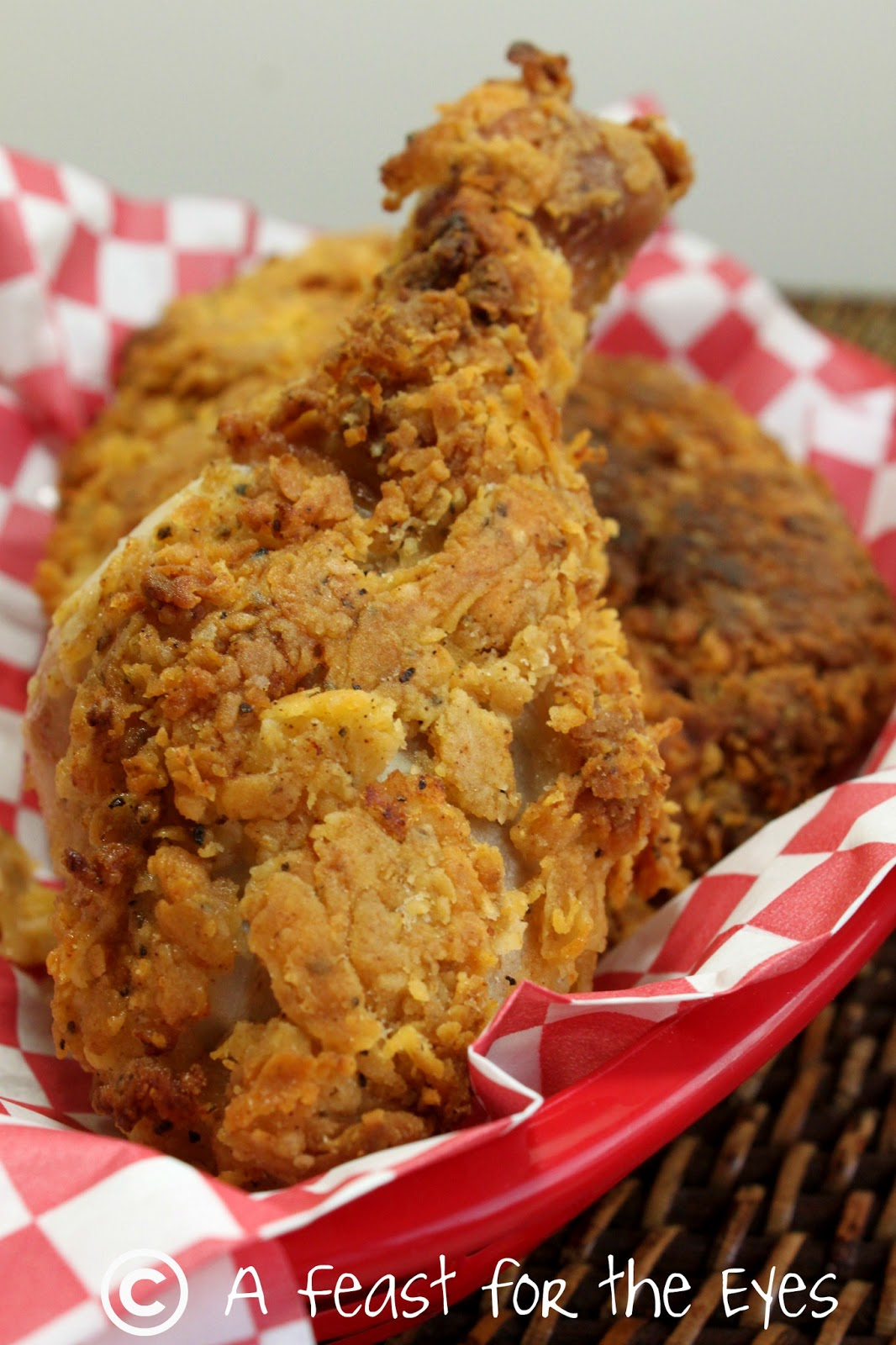 A Feast for the Eyes: Easy Buttermilk Fried Chicken