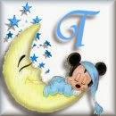 Alfabeto de Mickey Bebé durmiendo en la luna T.